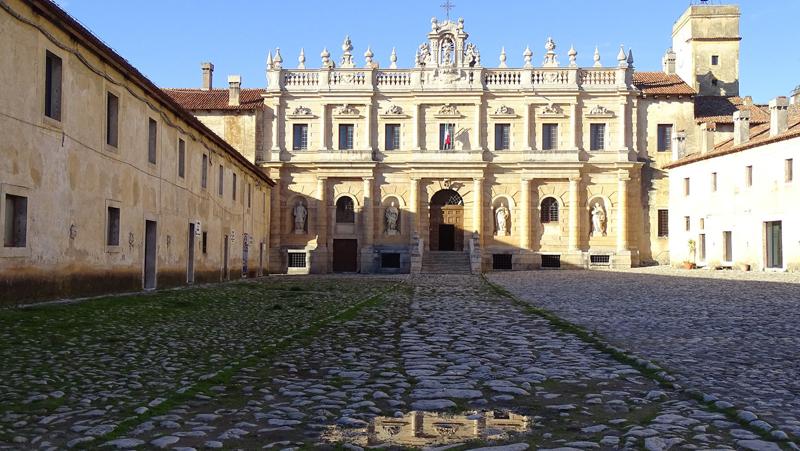 Certosa di San Lorenzo Loggia della Spezieria Padula - robertanadali.com